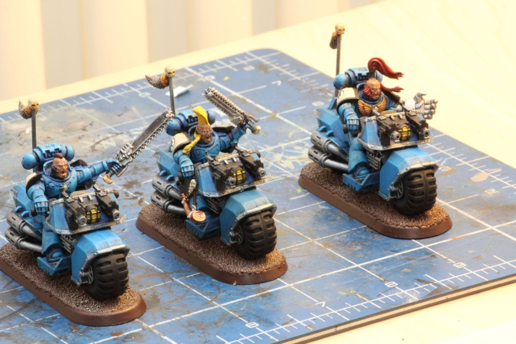 Drei Space Wolves Swiftclaw Biker